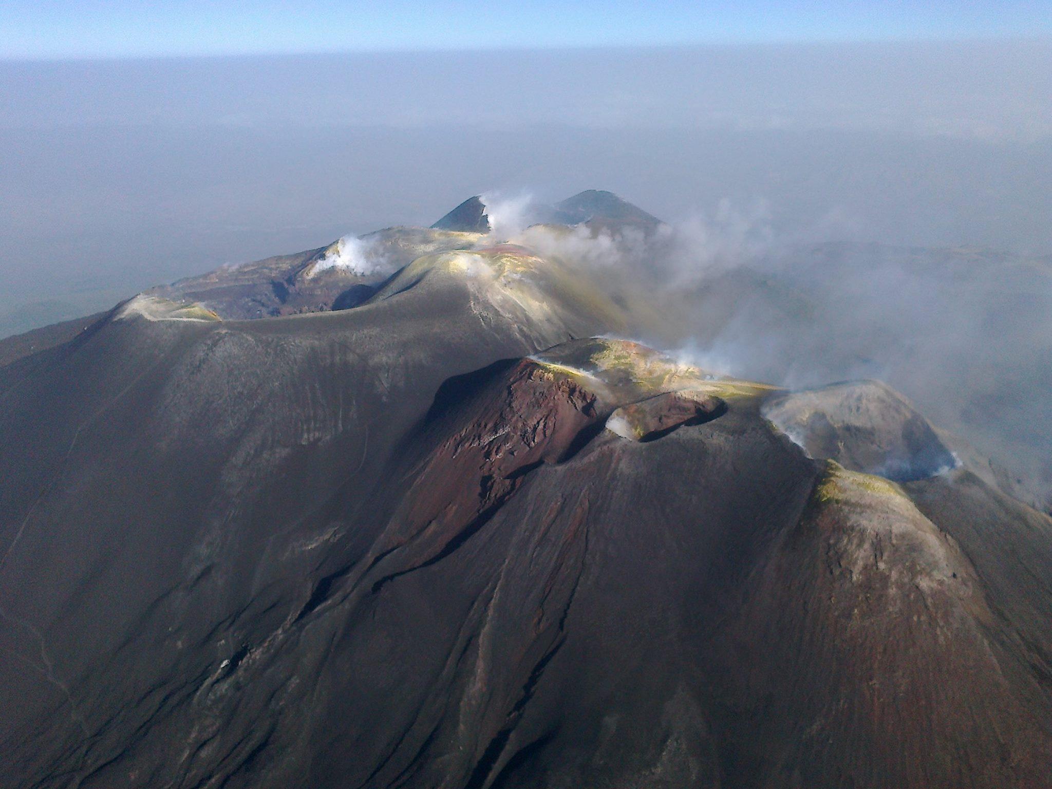 Assetto dei crateri sommitali