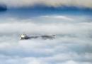 Quando la nebbia proviene dal mare: la Lupa avvolge i litorali catanesi e blocca Fontanarossa